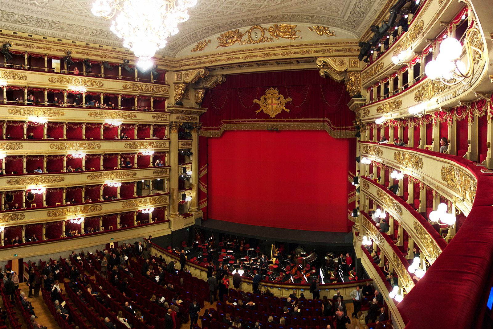 How to listen to opera at La Scala in Milan