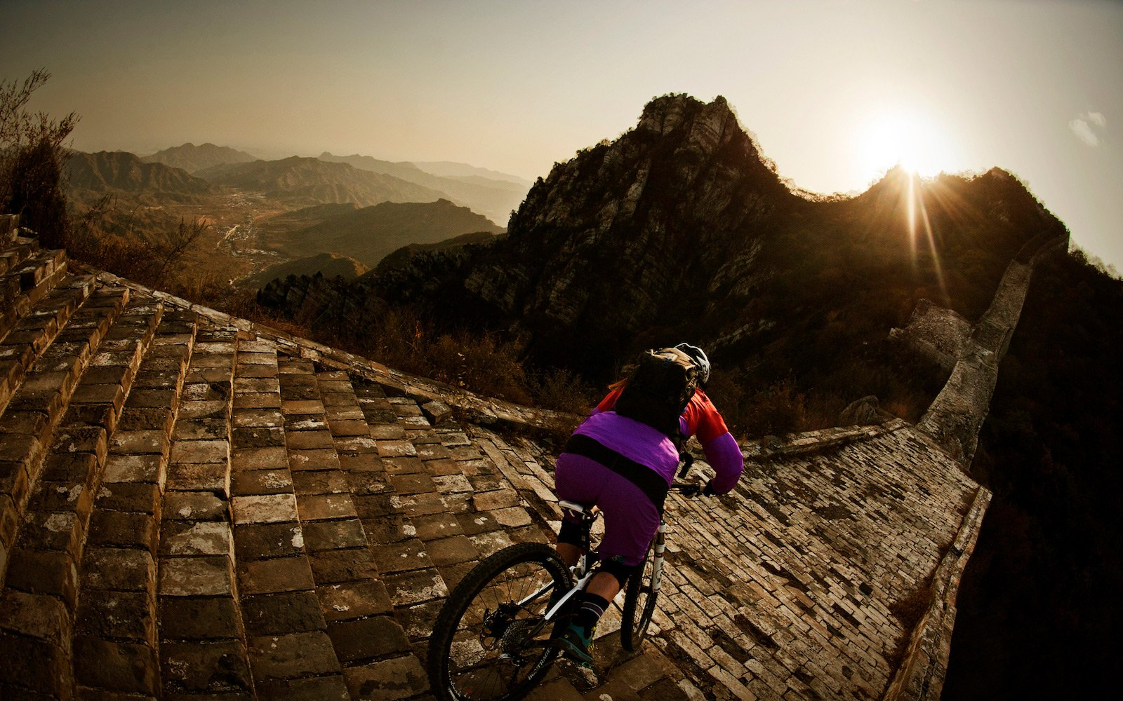 How to ride a bike on the Great Wall of China in Beijing