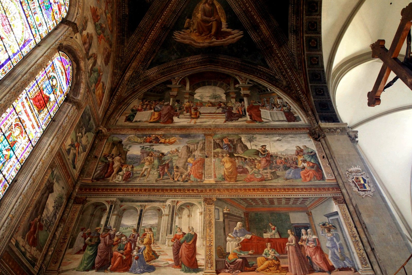 How to look at the frescoes in the church of Santa Maria Novella in Florence