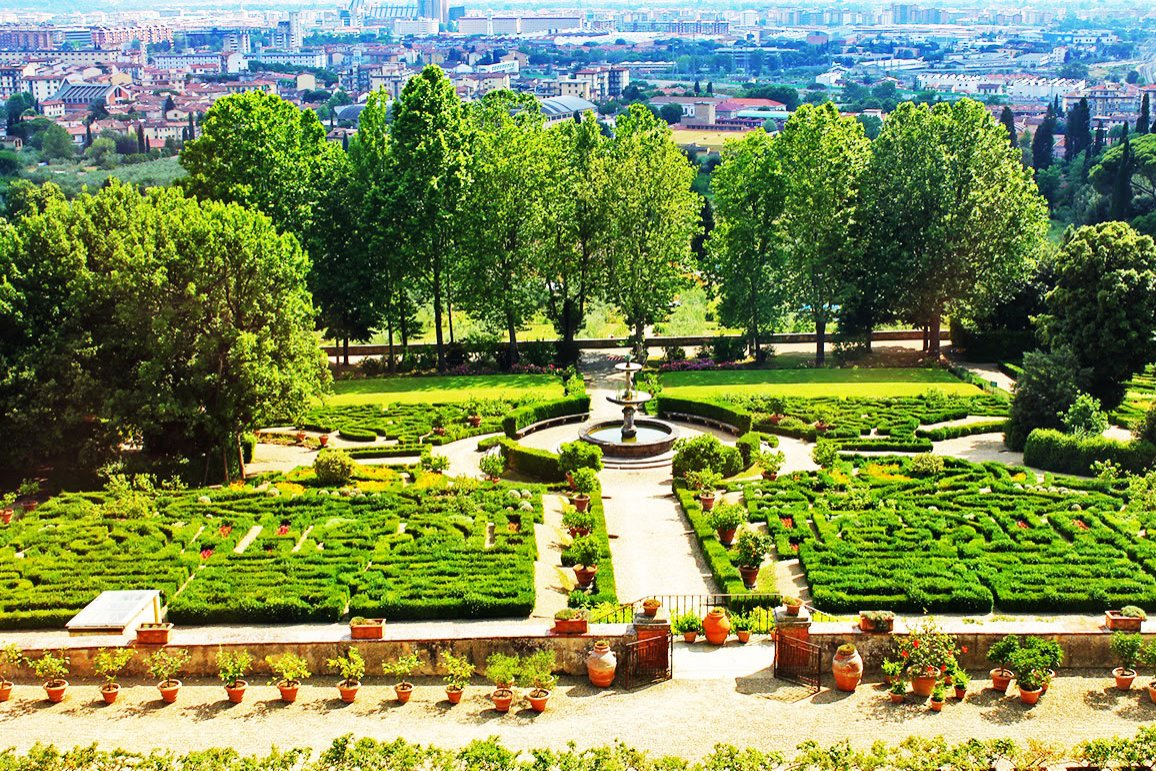 How to take a walk on the Villa Petraia terrace in Florence