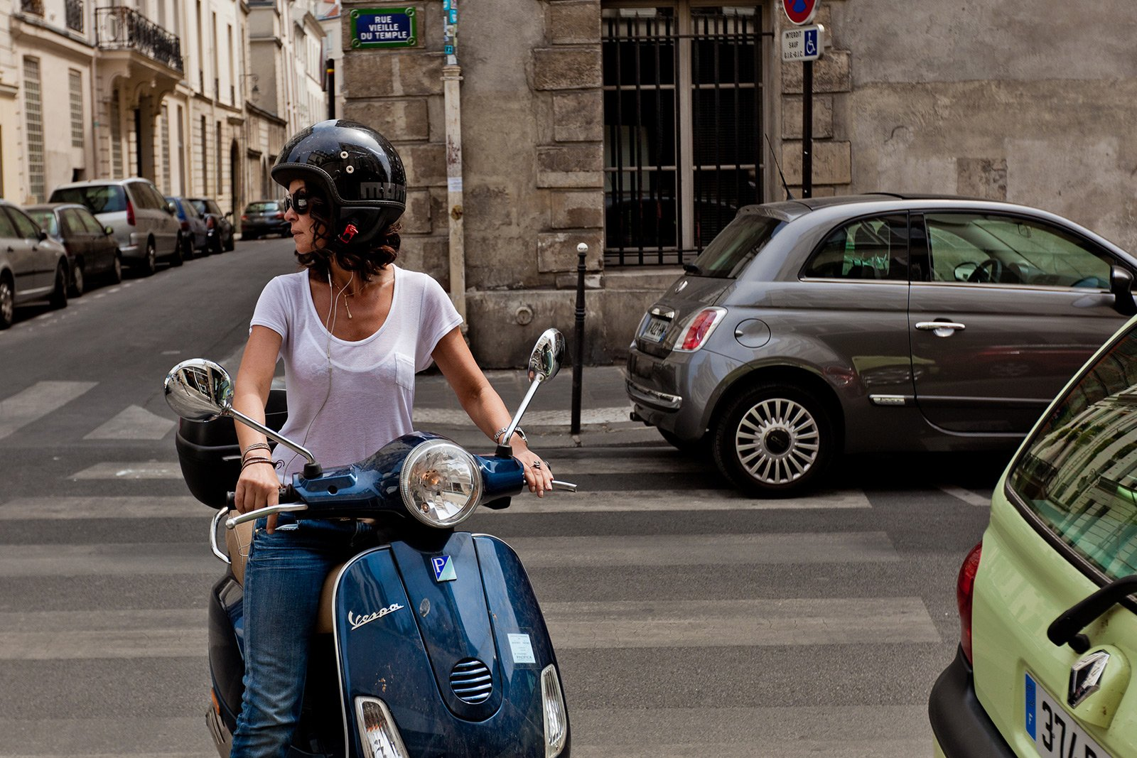 How to ride on retro scooter in Paris