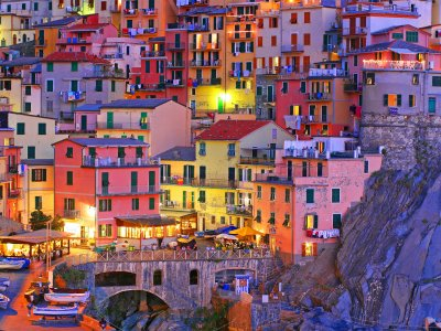 Walk through the old Manarola in Genoa