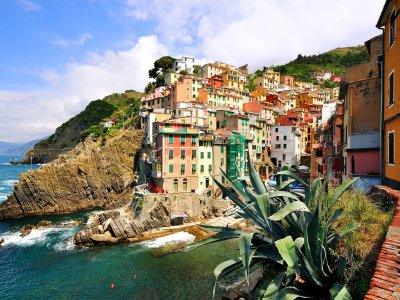 Take a walk on Riomaggiore in Genoa