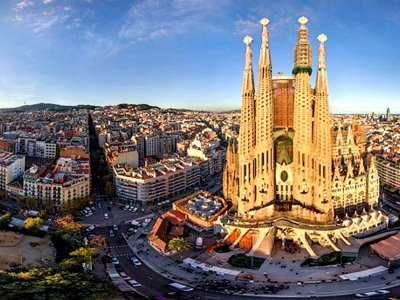 Visit Sagrada Familia in Barcelona