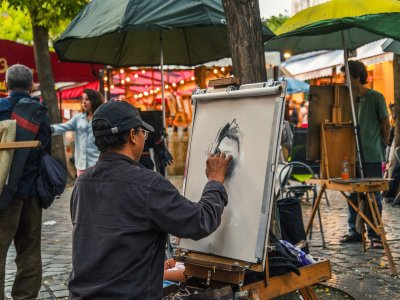Buy a painting on Tertre Square in Paris