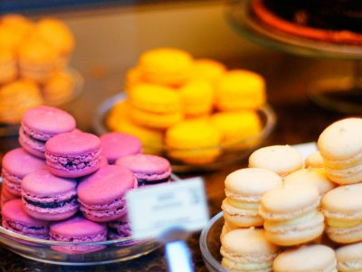 Taste macarons in Paris