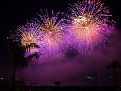 Visit the fireworks festival in Cannes