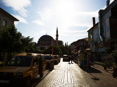 Walk through the Kaleiçi district in Antalya
