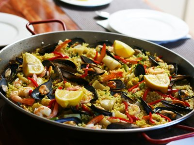 Try paella in Valencia