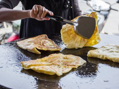 Try Thai Roti pancakes in Phuket