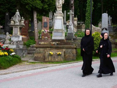 Take a walk through the Lychakiv Cemetery in Lviv