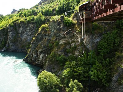 Try bungy jumping in Queenstown