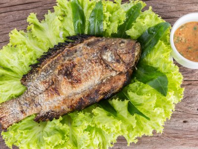 Try Plah Plow fish in Bangkok