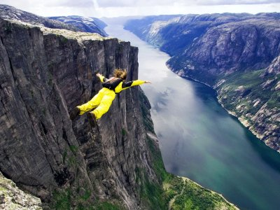 Go base jumping from the fiord cliff in Stavanger