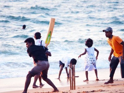Play cricket in Colombo