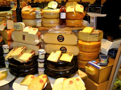 Buy Holland cheese in Amsterdam