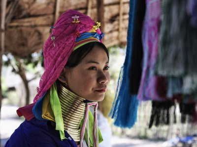 Visit the village of Long neck Karen people in Pattaya