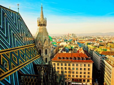 Come up to the tower of St. Stephen's Cathedral in Vienna