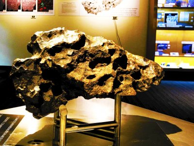 See 4,500,000,000-year-old meteorite in Brussels