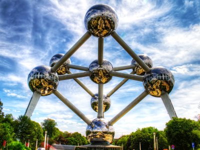 Walk inside iron molecule in Brussels