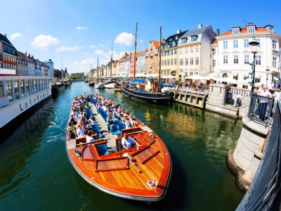Ride in a hop-on/hop-off boat in Copenhagen
