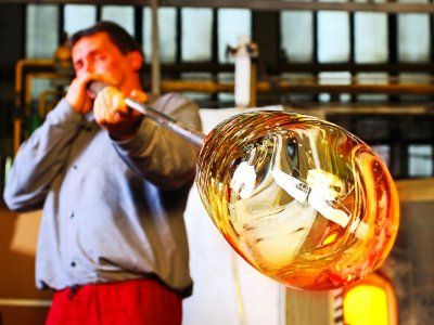 See glass items blowing in Karlovy Vary