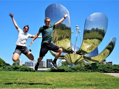Take a pic with a giant steel flower in Buenos Aires