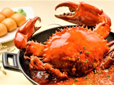 Try chilli crab in Singapore