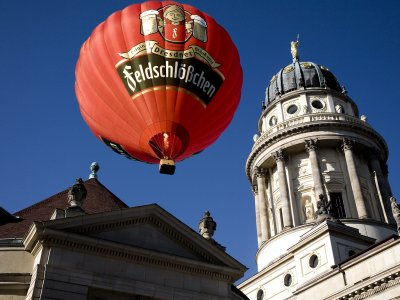 Fly in a hot air balloon in Berlin