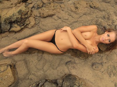 Make a nude style photo shoot in Phuket