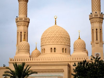 Visit the Jumeirah Mosque in Dubai