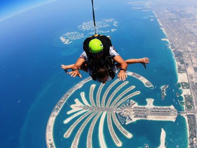 Take a skydive in Dubai