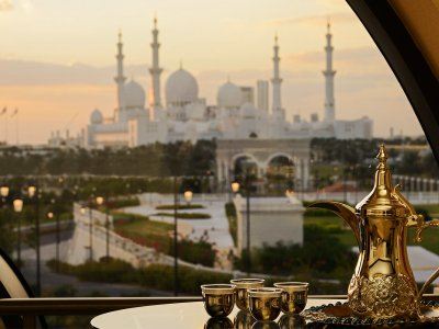 Buy a traditional Arab coffee pot dallah in Dubai