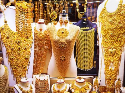 See zillions of gold jewelries at Dubai Gold Souk in Dubai