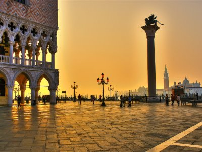 See the sunrise on the Piazza San Marco in Venice
