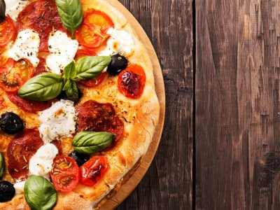 Try pizza in Rome