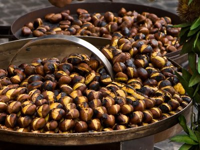 Try roasted chestnuts in Rome