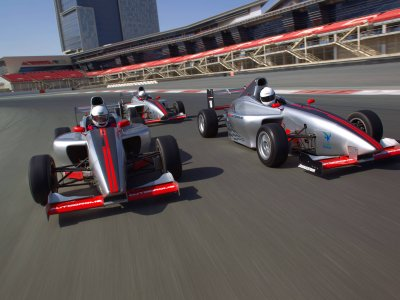 Feel as if you're a Formula-1 racer in Dubai
