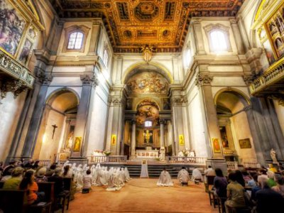 Listen to the sacred songs of monks in Florence