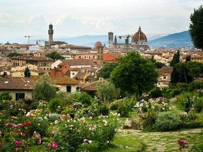 Walk on the terraces of Rose Garden in Florence