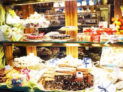 Taste chocolate in Gilli confectioner's shop in Florence