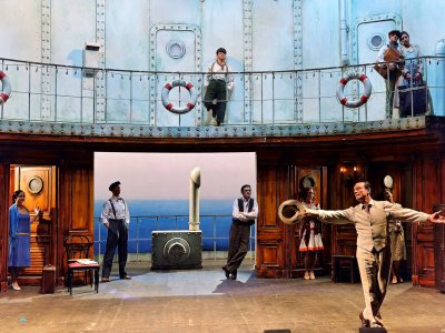 See play in the Pergola Theatre in Florence