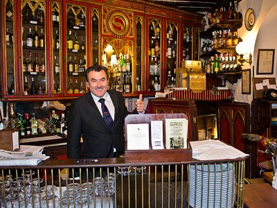 Have a dinner in the oldest restaurant in the world in Madrid