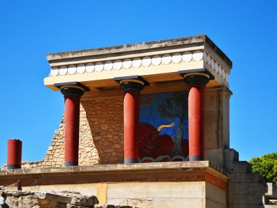 Walk through the ruins of Knossos Palace on Crete