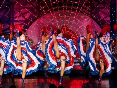 See cancan at Moulin Rouge in Paris