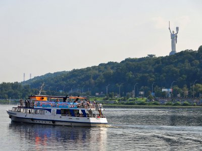 Ride along the Dnieper on the river tram in Kiev