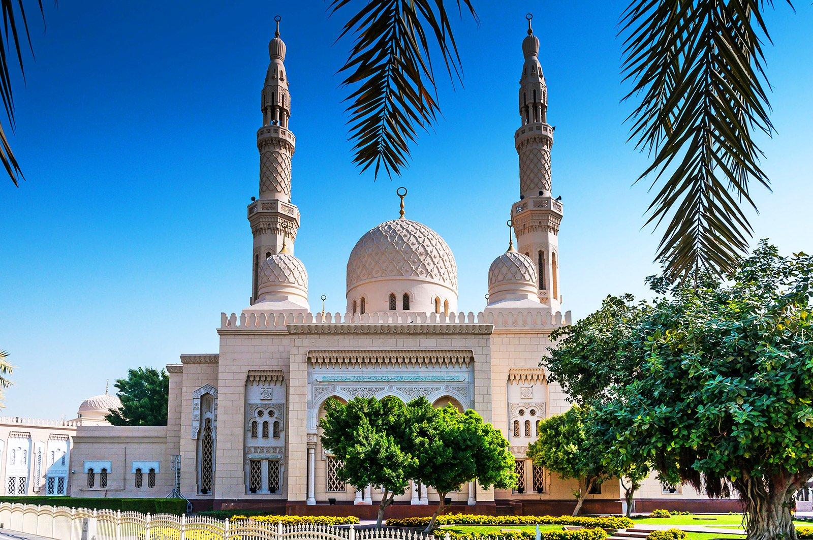 Jumeirah mosque дубай работа для русскоговорящих в дубае