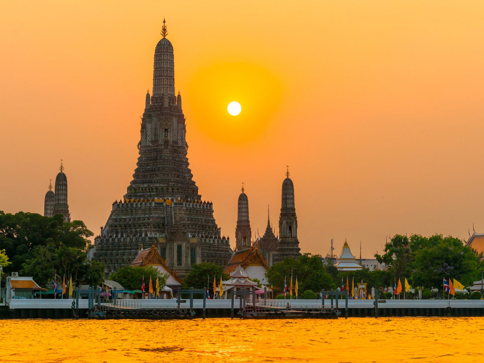 Temple Of Dawn Wat Arun Bangkok