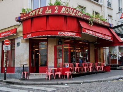 Cafe des Deux Moulins in Paris