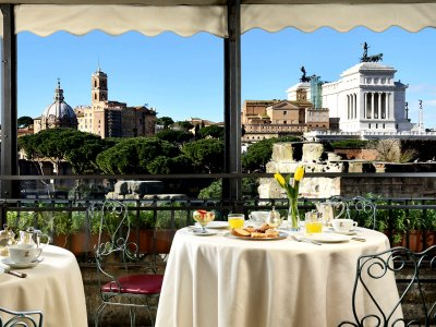 Rooftop Garden Restaurant in Rome